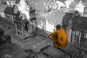 monge observando