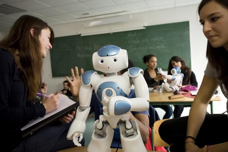 Robo dando aula